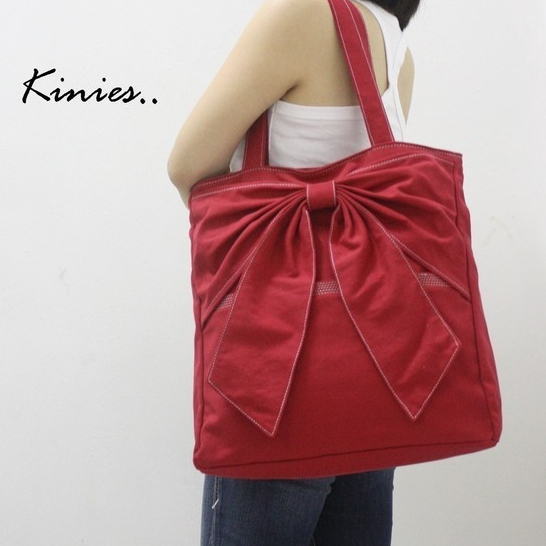 QT canvas tote in red